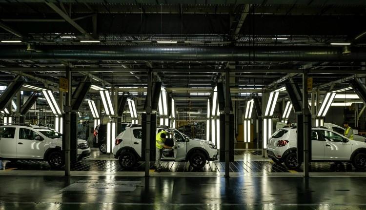 Duster-tulajdonosok, figyelem: szoftverhibás gépkocsikat hív vissza az autógyár