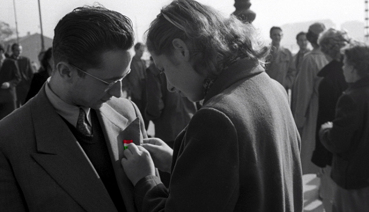 """""""Egy nép kiáltott. Aztán csend lett"""" – Az 1956-os forradalom versei"""