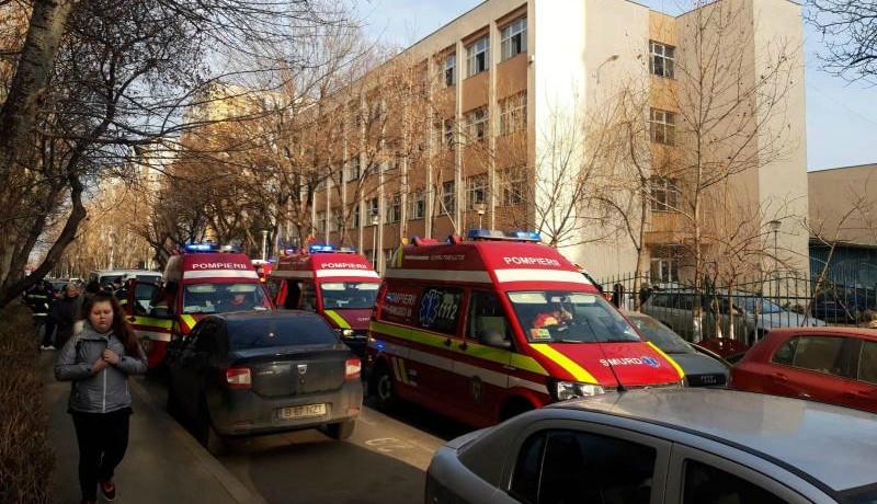 És nincs vége: úgy kifertőtlenítettek egy bukaresti iskolát, hogy tizennyolc diák a sürgősségre került