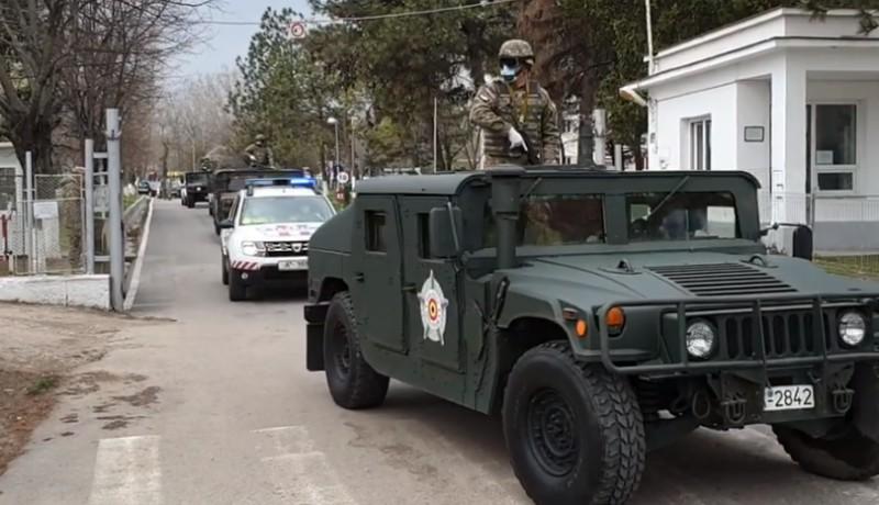 Katonadolog: mit csinál az utcákon a hadsereg tízezer, állig felfegyverzett egyenruhása? (VIDEÓval)
